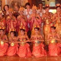 dance-group_-crop_