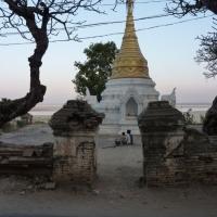 roadside-stupa1